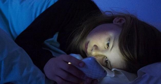 jeune-fille-lit-portable1-628x330
